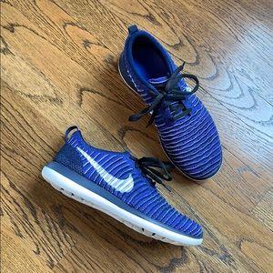 Nike sneakers, 6.5